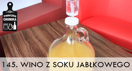 Wino z gotowego soku jabłkowego w zestawie winiarskim