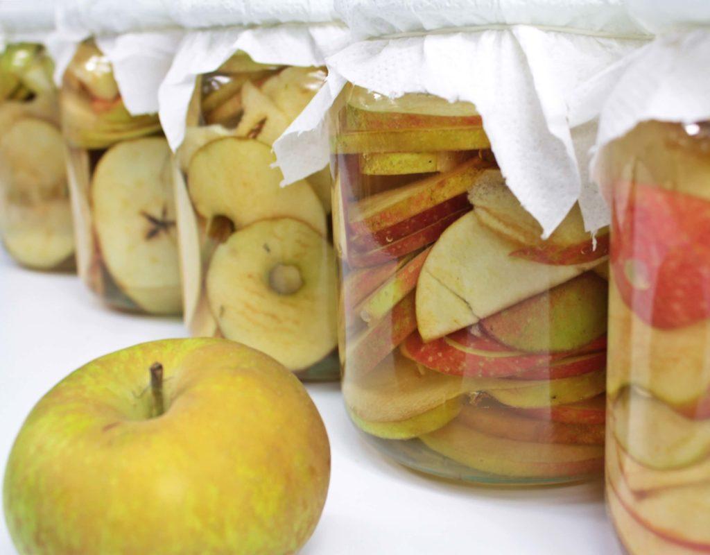Nastaw na ocet jabłkowy w słoikach typu weck