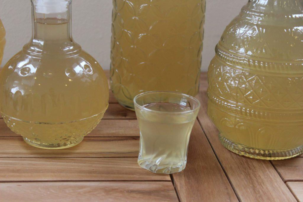 Ananasówka to jedna z naszych ulubionych nalewek. Kliknij w obrazek, aby poznać inne przepisy na nalewki Piwniczki Chomika.